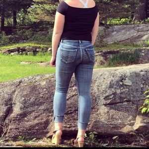 size 3 mudd jeans!!